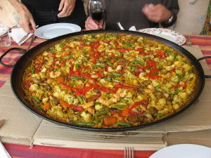 Fideau is the catalan equivalent of paella, made with noodles instead of rice.