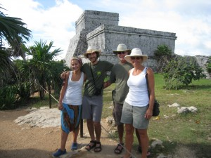 Dec 18: La familia at Tulum