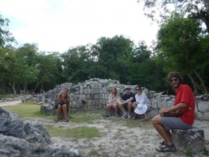 Dec 30: Hannah, Ana, James, Sarah and Adam at Chichén Itzá.