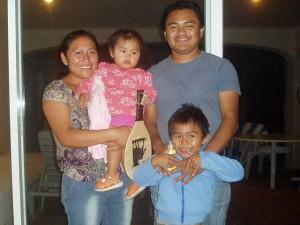 March 31: Carlos, Areli, Carlitos y Joselyn