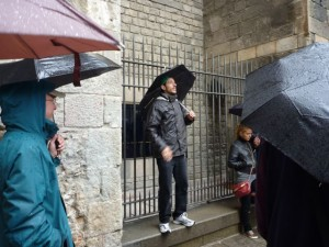 May 14: Our tour of the Gothic area in the rain.